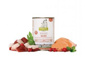ISEGRIM Goose with Sweet Potato, Rose Hip & Herbs 800g